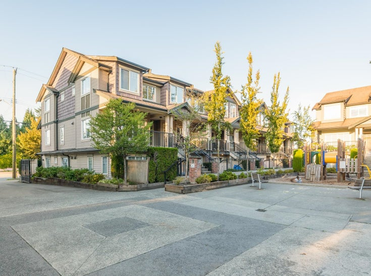 121 13958 108 AVENUE - Whalley Townhouse for sale, 1 Bedroom (R2622284)