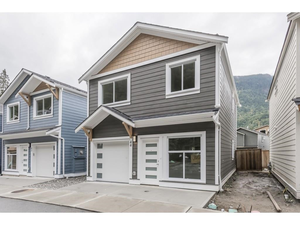 44 750 HOT SPRINGS ROAD - Harrison Hot Springs House/Single Family for sale, 3 Bedrooms (R2622439) - #1
