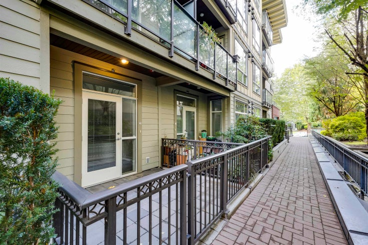 103 2957 GLEN DRIVE - North Coquitlam Townhouse for sale, 2 Bedrooms (R2622570)