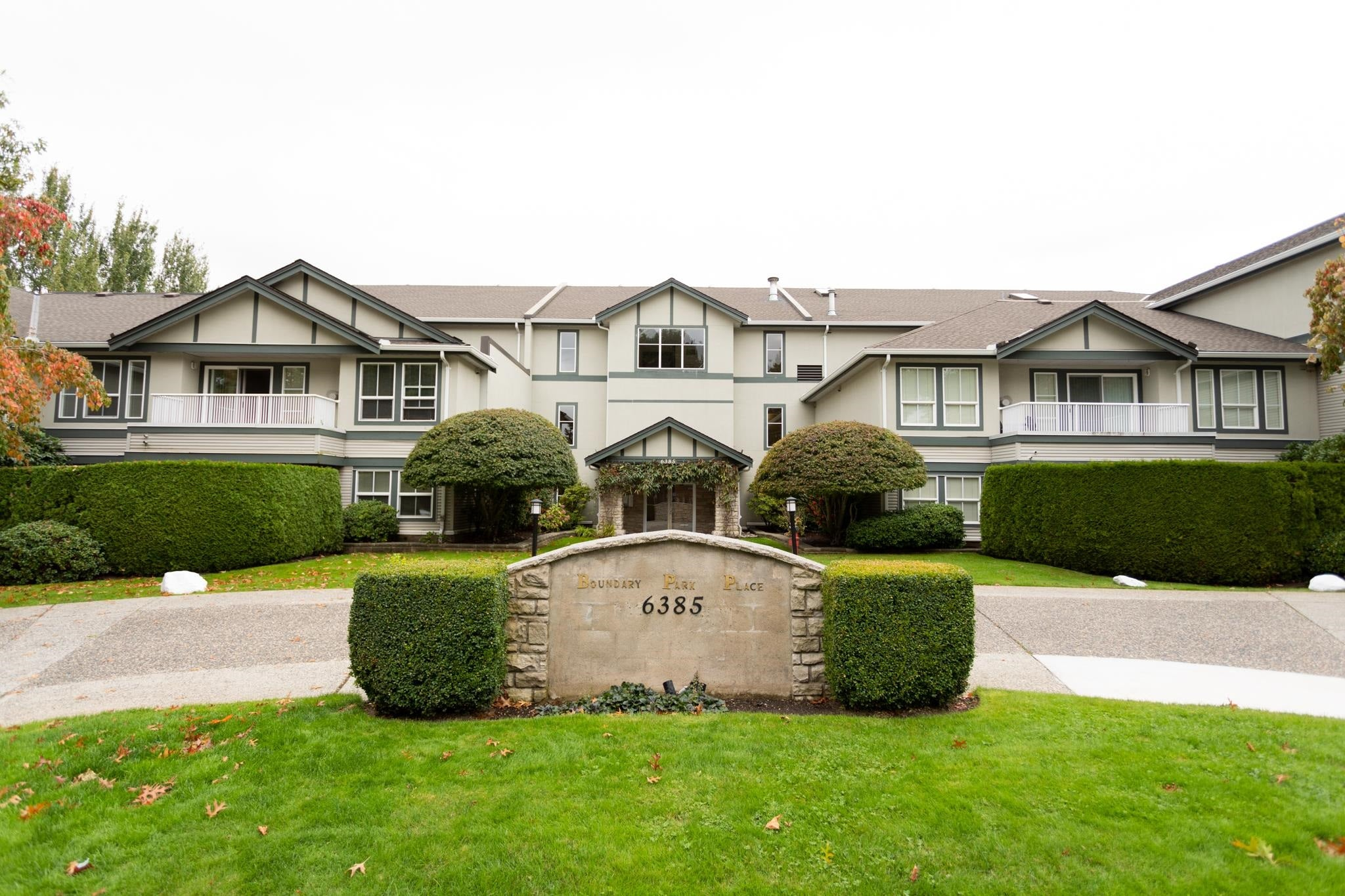 205 6385 121 STREET - Panorama Ridge Apartment/Condo for sale, 2 Bedrooms (R2622852) - #1