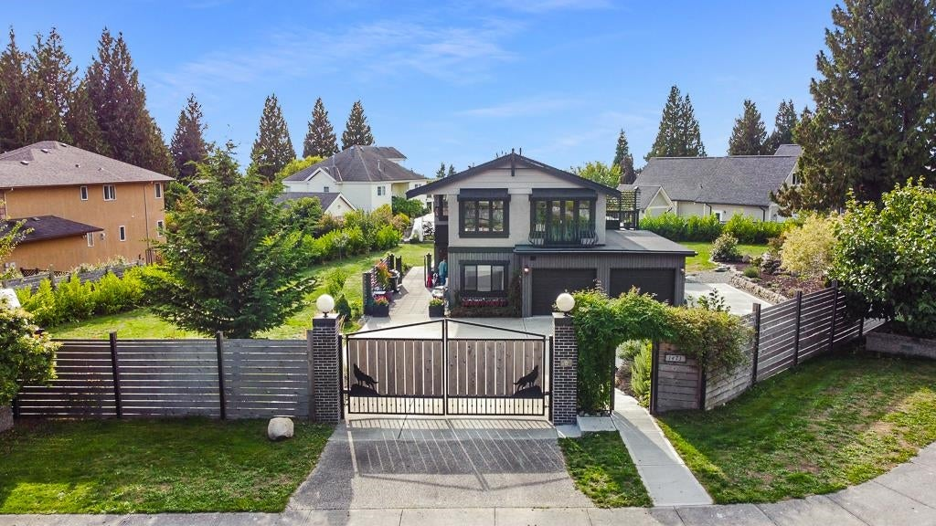 1473 VERNON DRIVE - Gibsons & Area House/Single Family for sale, 4 Bedrooms (R2622855) - #1