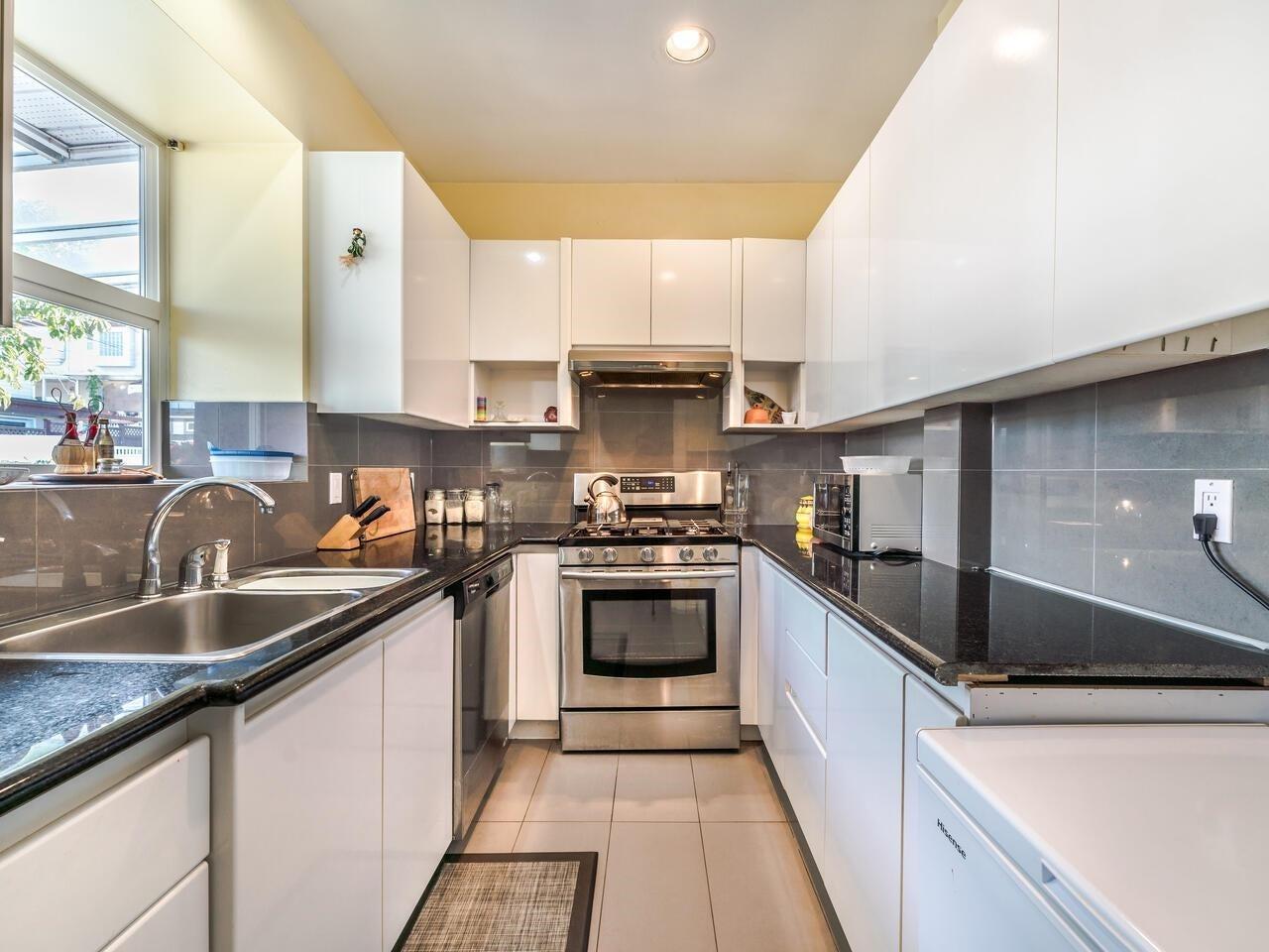 7888 JASPER CRESCENT - Fraserview VE House/Single Family for sale, 7 Bedrooms (R2622945) - #17