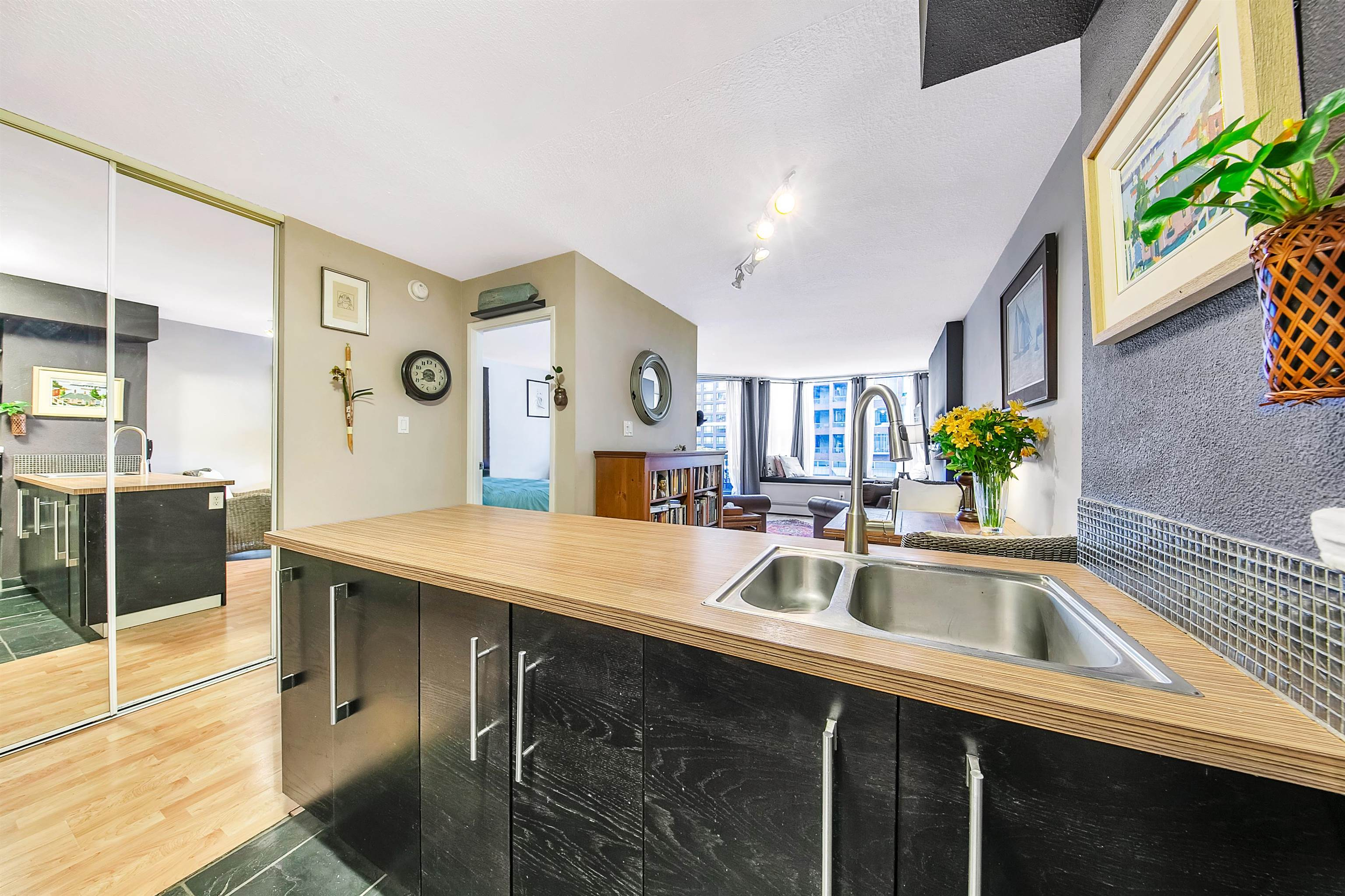214 1333 HORNBY STREET - Downtown VW Apartment/Condo for sale, 1 Bedroom (R2623166) - #1