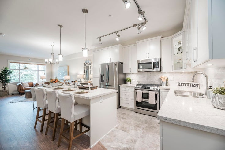 103 20325 85 AVENUE - Willoughby Heights Apartment/Condo for sale, 3 Bedrooms (R2623225)