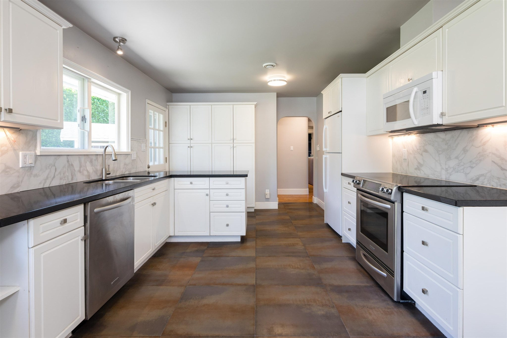 960 W QUEENS ROAD - Edgemont House/Single Family for sale, 2 Bedrooms (R2623308) - #10