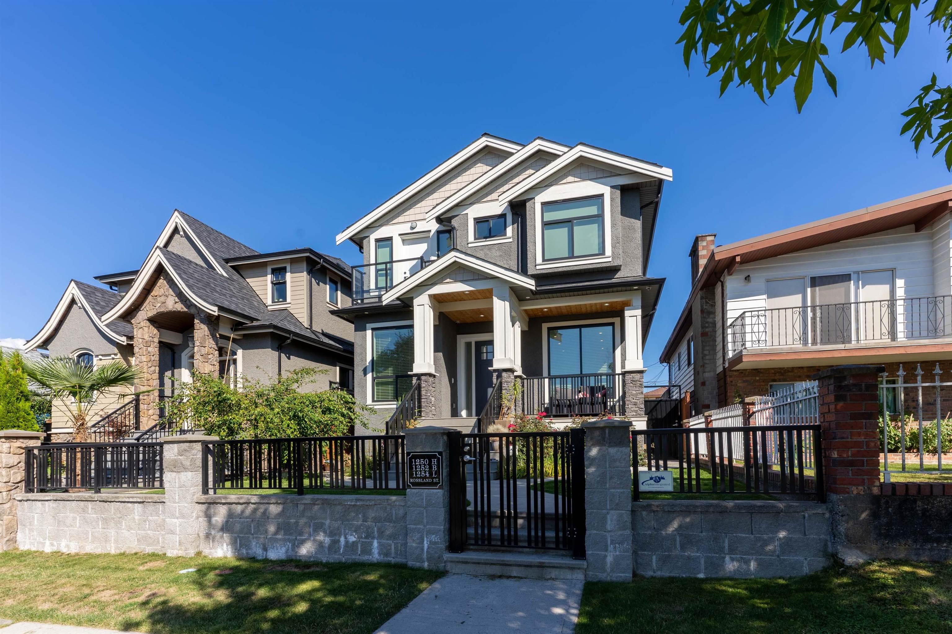 1250 ROSSLAND STREET - Renfrew VE House/Single Family for sale, 6 Bedrooms (R2623316) - #1