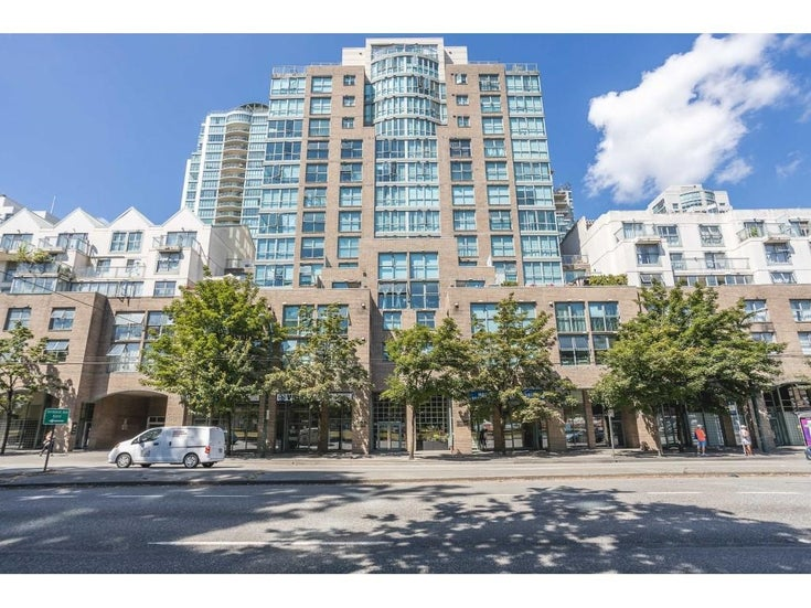 1105 1159 MAIN STREET - Downtown VE Apartment/Condo for sale, 3 Bedrooms (R2623465)
