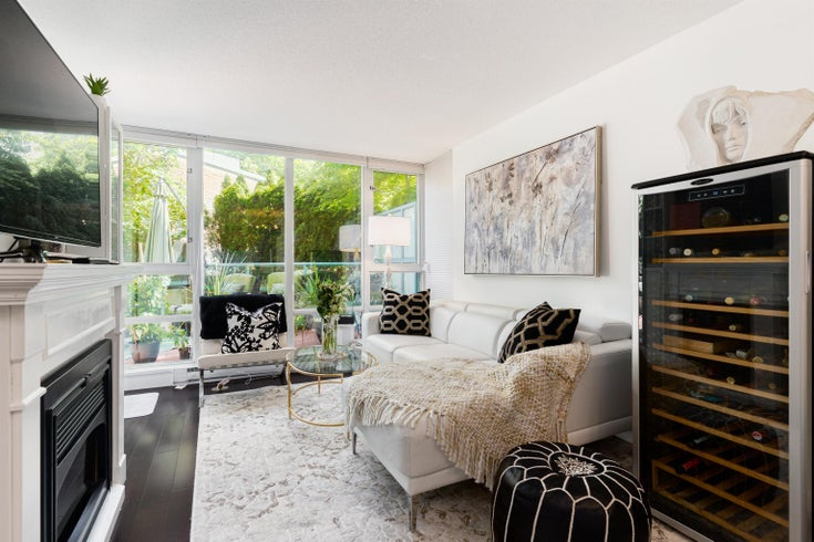202 1033 MARINASIDE CRESCENT - Yaletown Apartment/Condo for sale, 2 Bedrooms (R2623495)