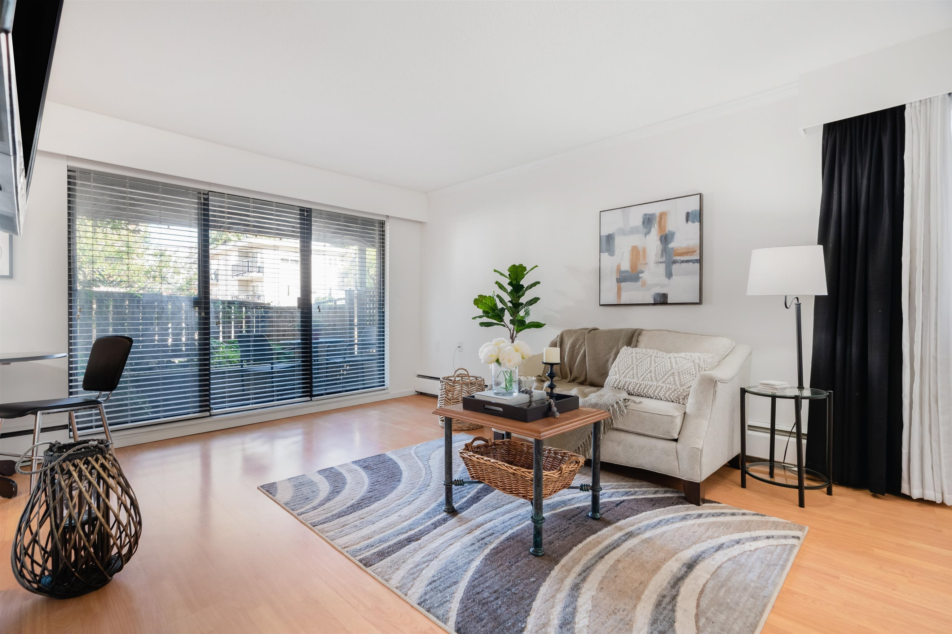 104 2424 CYPRESS STREET - Kitsilano Apartment/Condo for sale, 1 Bedroom (R2623646)