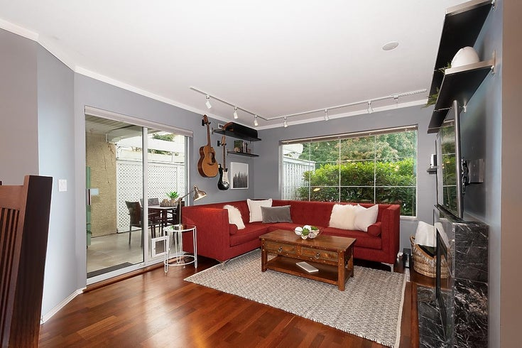 102 6860 RUMBLE STREET - South Slope Apartment/Condo for sale, 1 Bedroom (R2623702)