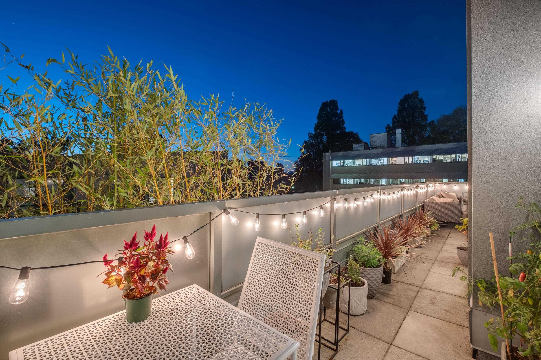 403 2288 MARSTRAND AVENUE - Kitsilano Apartment/Condo for sale, 2 Bedrooms (R2623878)