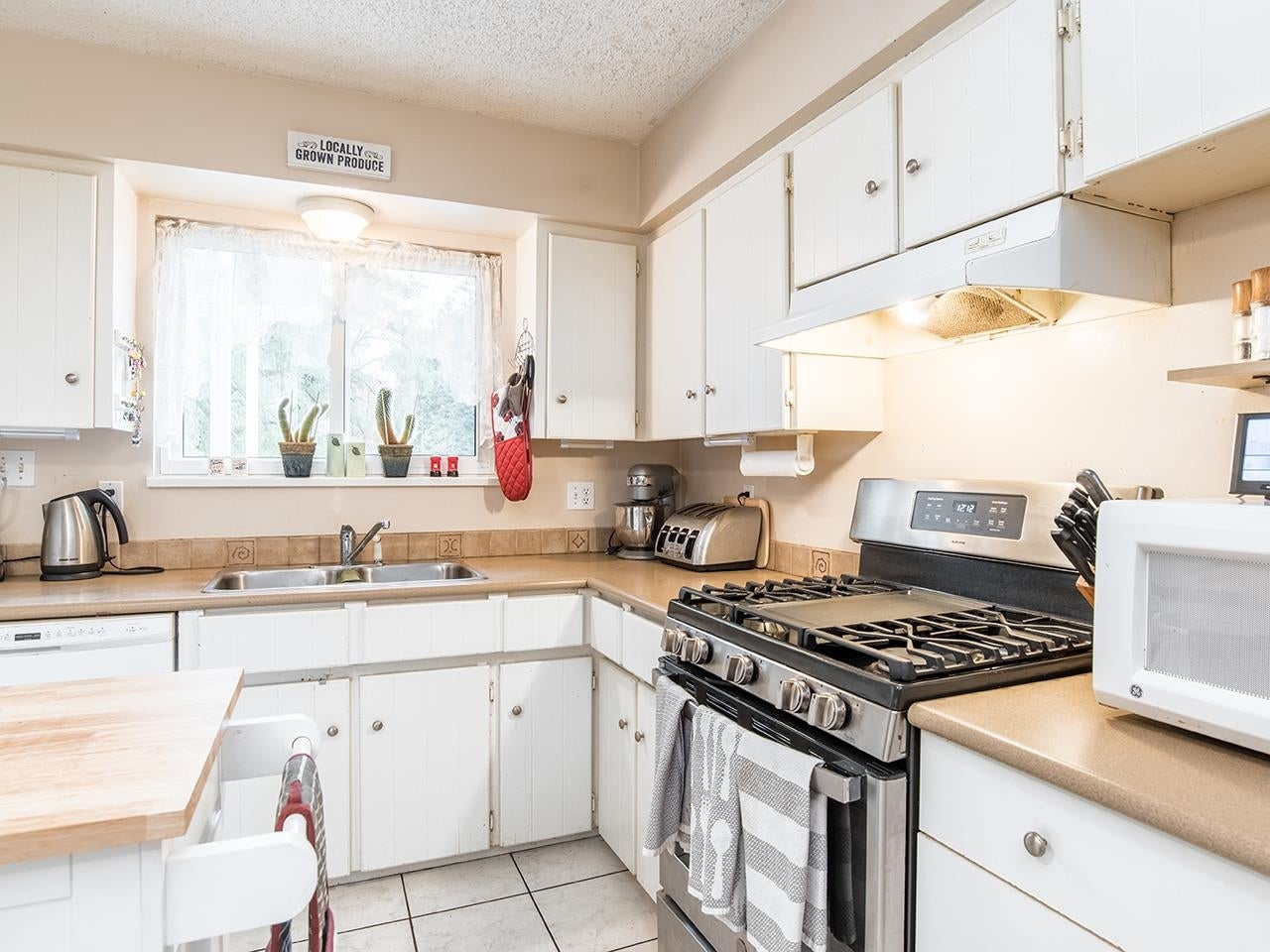 13388 CYPRESS PLACE - Queen Mary Park Surrey House/Single Family for sale, 4 Bedrooms (R2624139) - #12