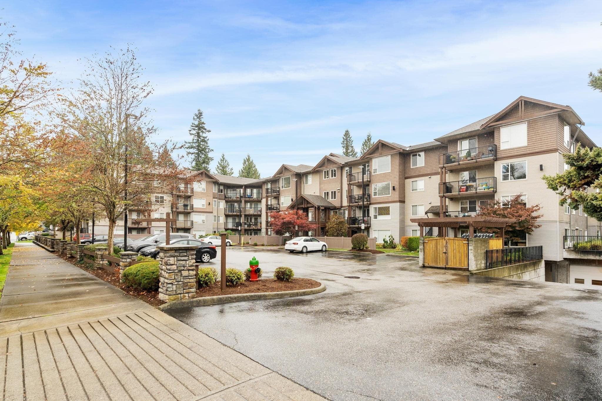 208 2581 LANGDON STREET - Abbotsford West Apartment/Condo for sale, 2 Bedrooms (R2624262) - #1