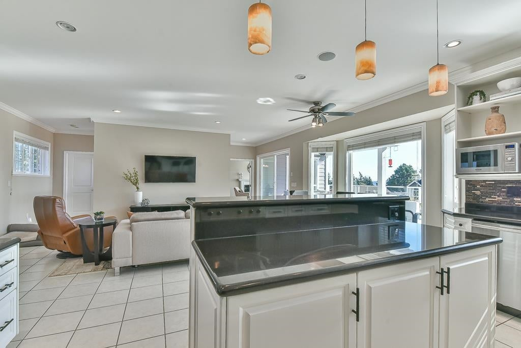 13222 14A AVENUE - Crescent Bch Ocean Pk. House/Single Family for sale, 7 Bedrooms (R2624396) - #14