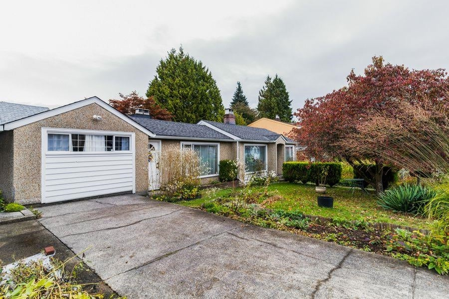 2219 E 25TH AVENUE - Collingwood VE House/Single Family for sale, 2 Bedrooms (R2624628) - #1