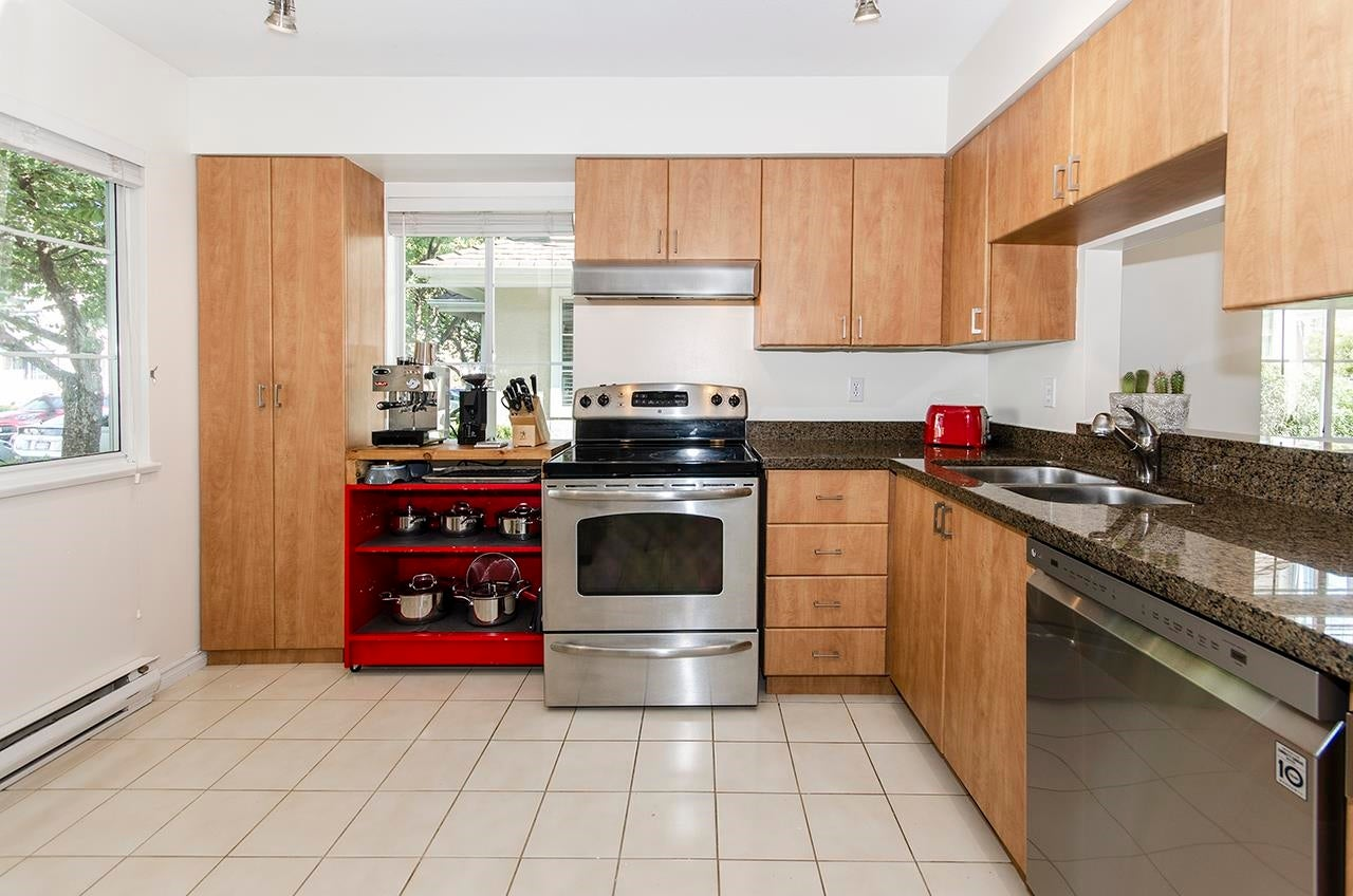 4 249 E 4TH STREET - Lower Lonsdale Townhouse for sale, 4 Bedrooms (R2624640) - #13