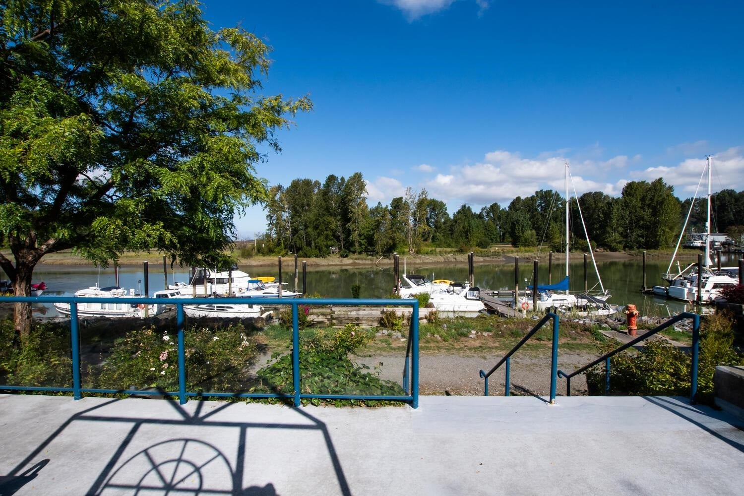 108 4733 W RIVER ROAD - Ladner Elementary Apartment/Condo for sale, 2 Bedrooms (R2624756)