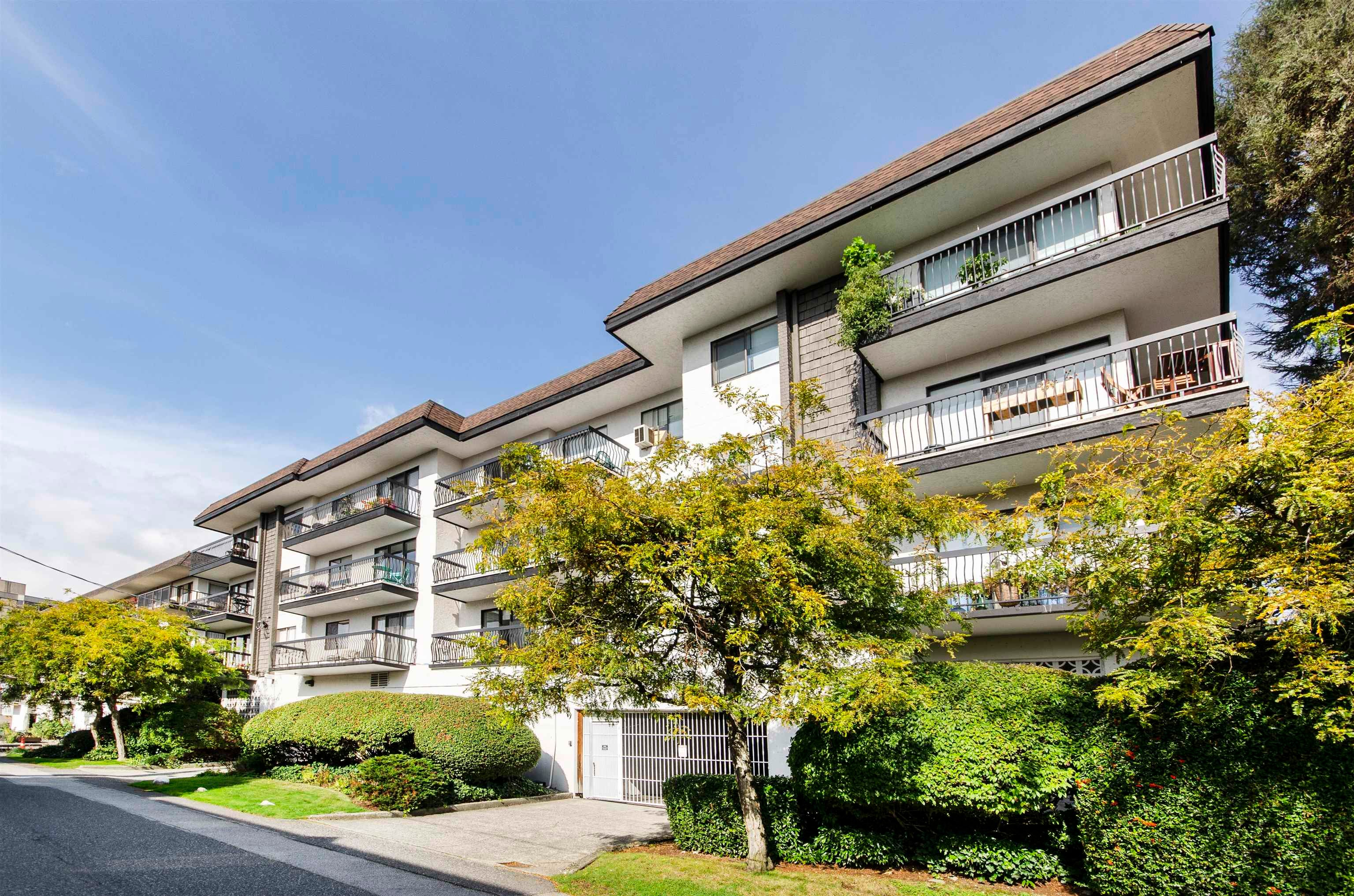 206 175 E 5TH STREET - Lower Lonsdale Apartment/Condo for sale, 2 Bedrooms (R2624759) - #24