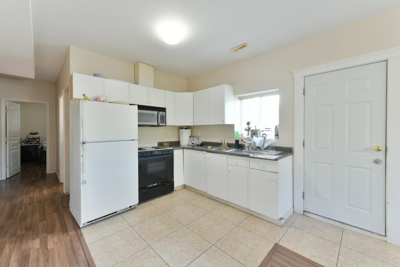 14518 78 AVENUE - East Newton House/Single Family for sale, 7 Bedrooms (R2624877) - #16