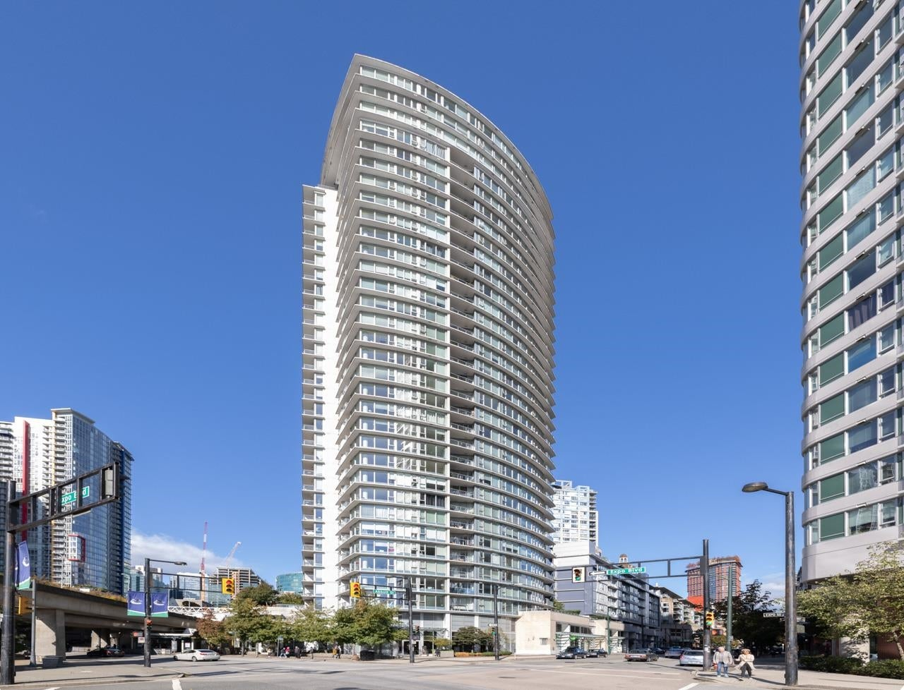 503 689 ABBOTT STREET - Downtown VW Apartment/Condo for sale, 1 Bedroom (R2624952) - #1