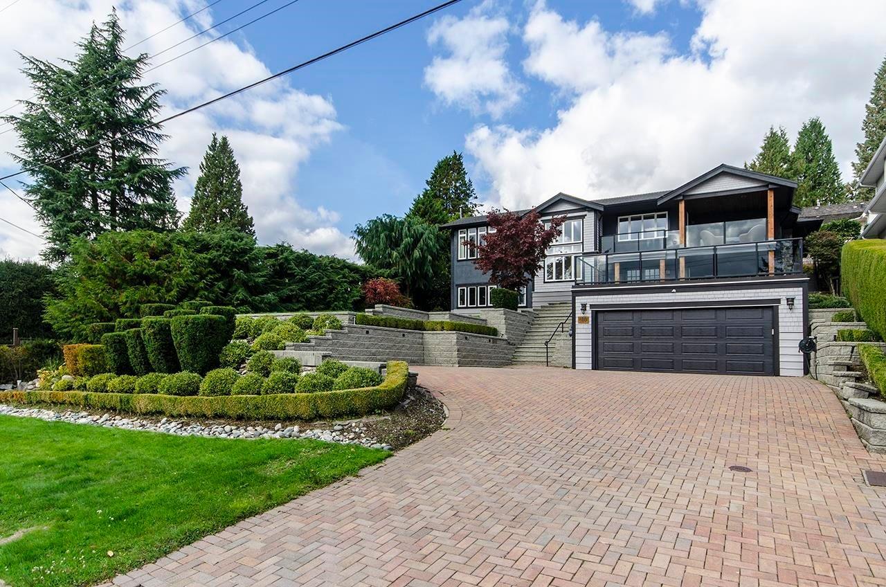 180 E KENSINGTON ROAD - Upper Lonsdale House/Single Family for sale, 6 Bedrooms (R2624954) - #1
