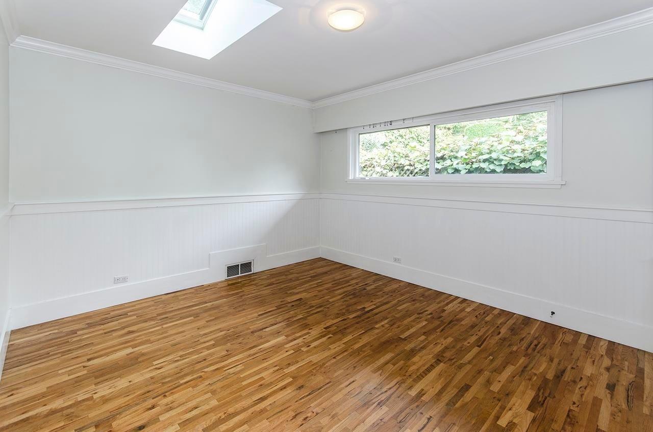 180 E KENSINGTON ROAD - Upper Lonsdale House/Single Family for sale, 6 Bedrooms (R2624954) - #24