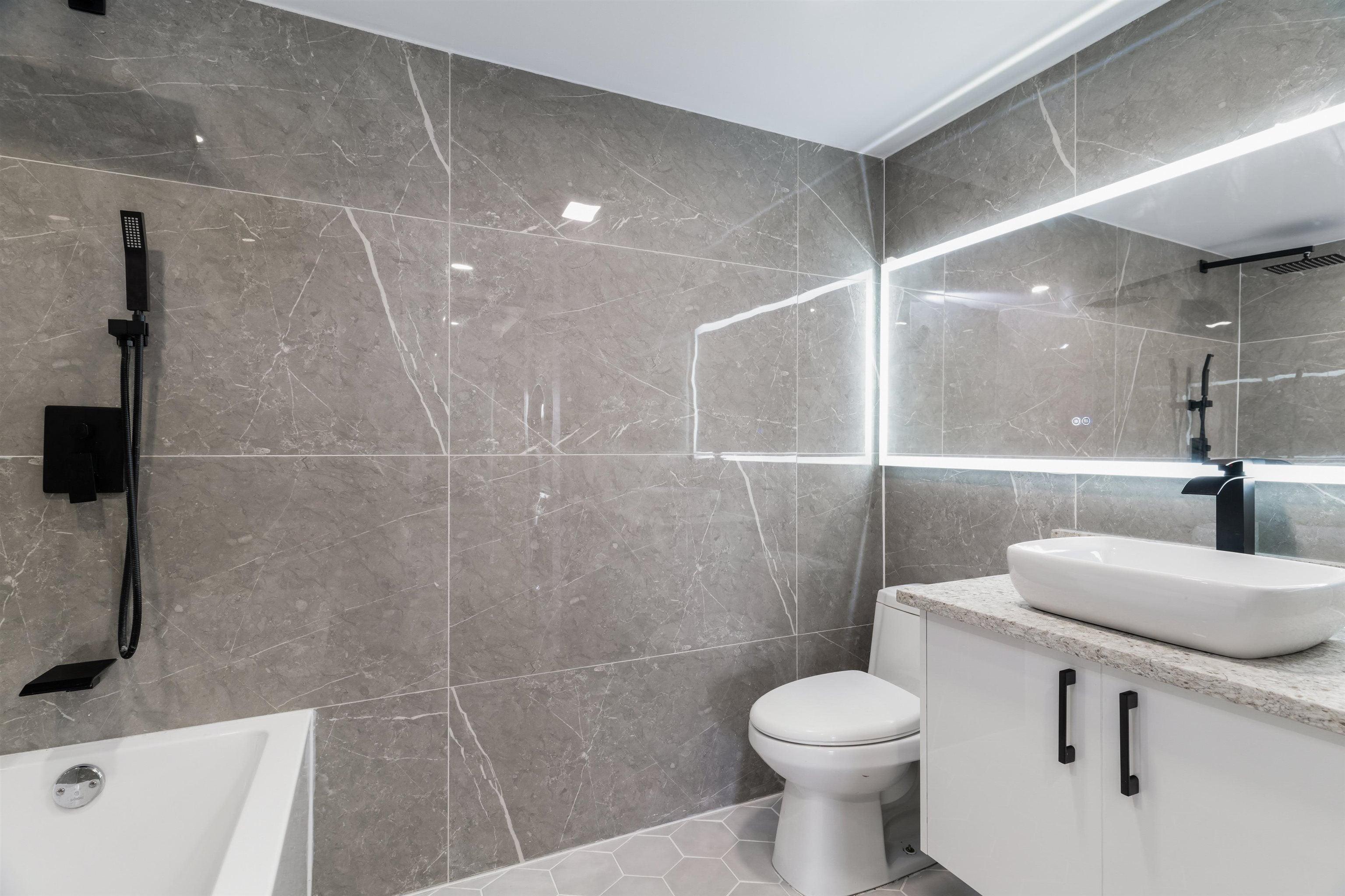 302 8760 NO. 1 ROAD - Boyd Park Apartment/Condo for sale, 2 Bedrooms (R2624995)