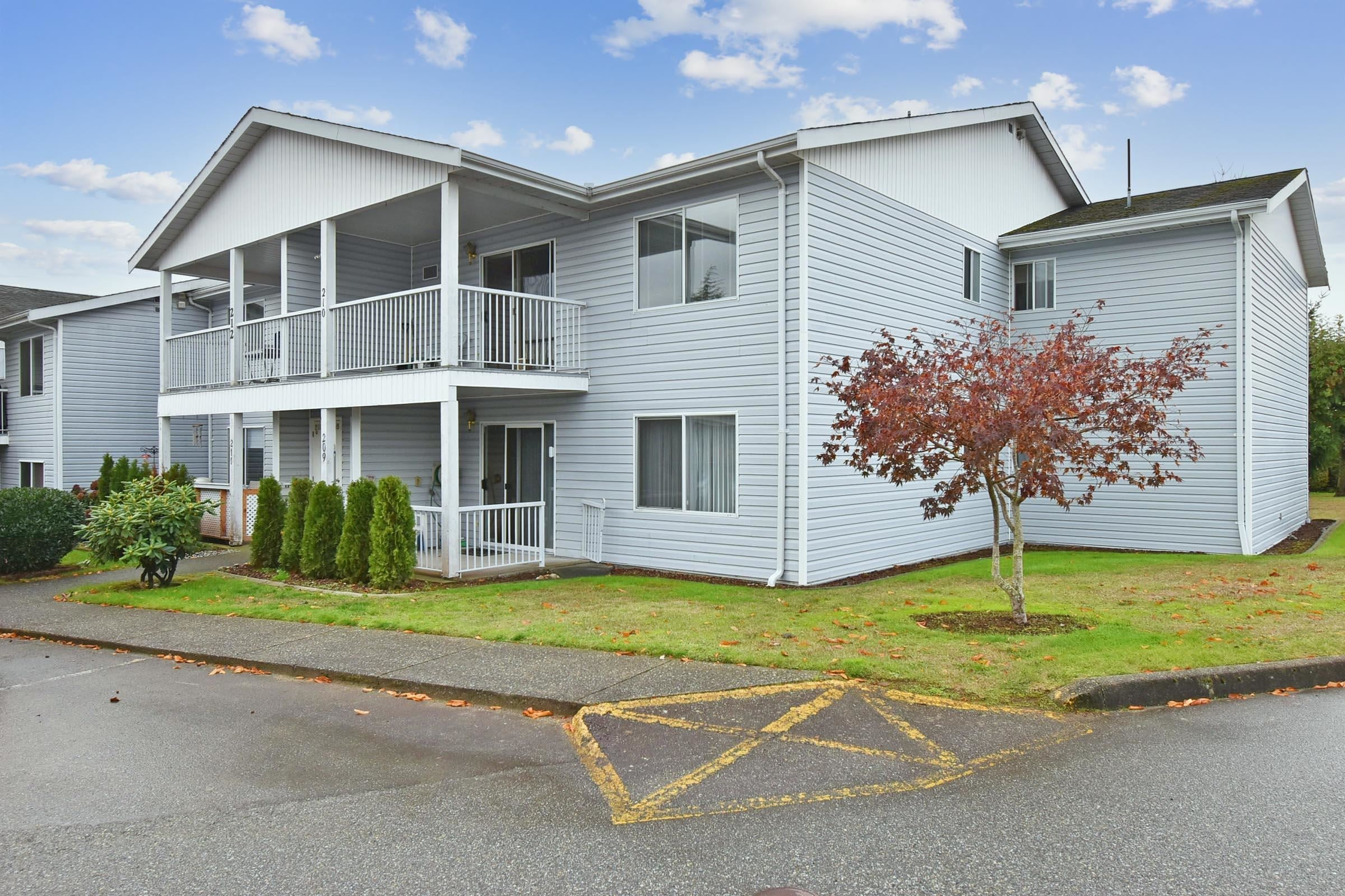 210 32691 GARIBALDI DRIVE - Central Abbotsford Townhouse for sale, 2 Bedrooms (R2625039)