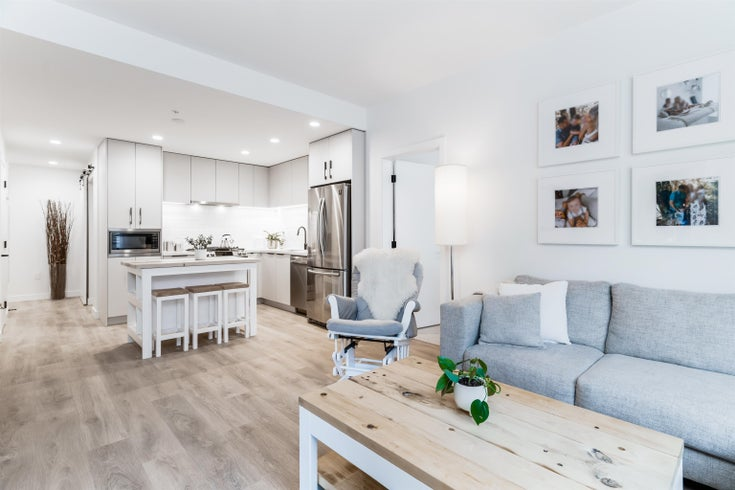 101 3018 ST GEORGE STREET - Port Moody Centre Apartment/Condo for sale, 2 Bedrooms (R2625104)