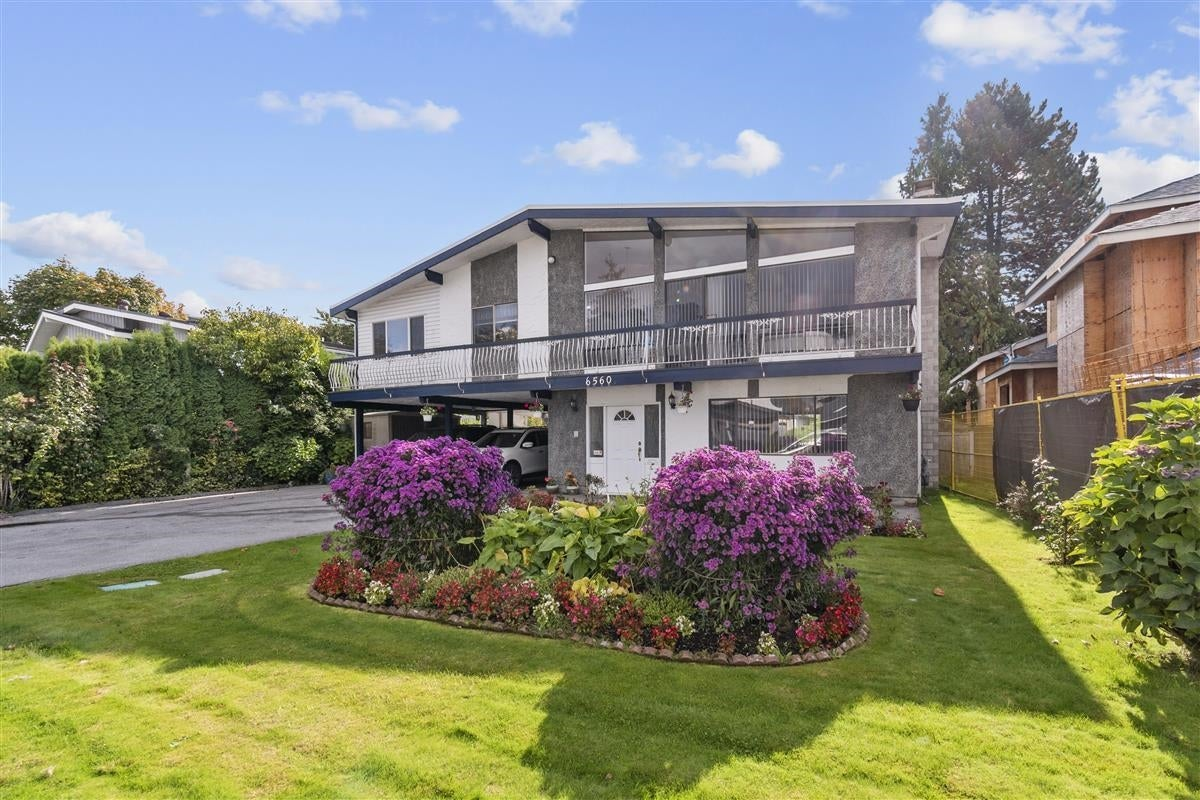 6560 YEATS CRESCENT - Woodwards House/Single Family for sale, 5 Bedrooms (R2625112)