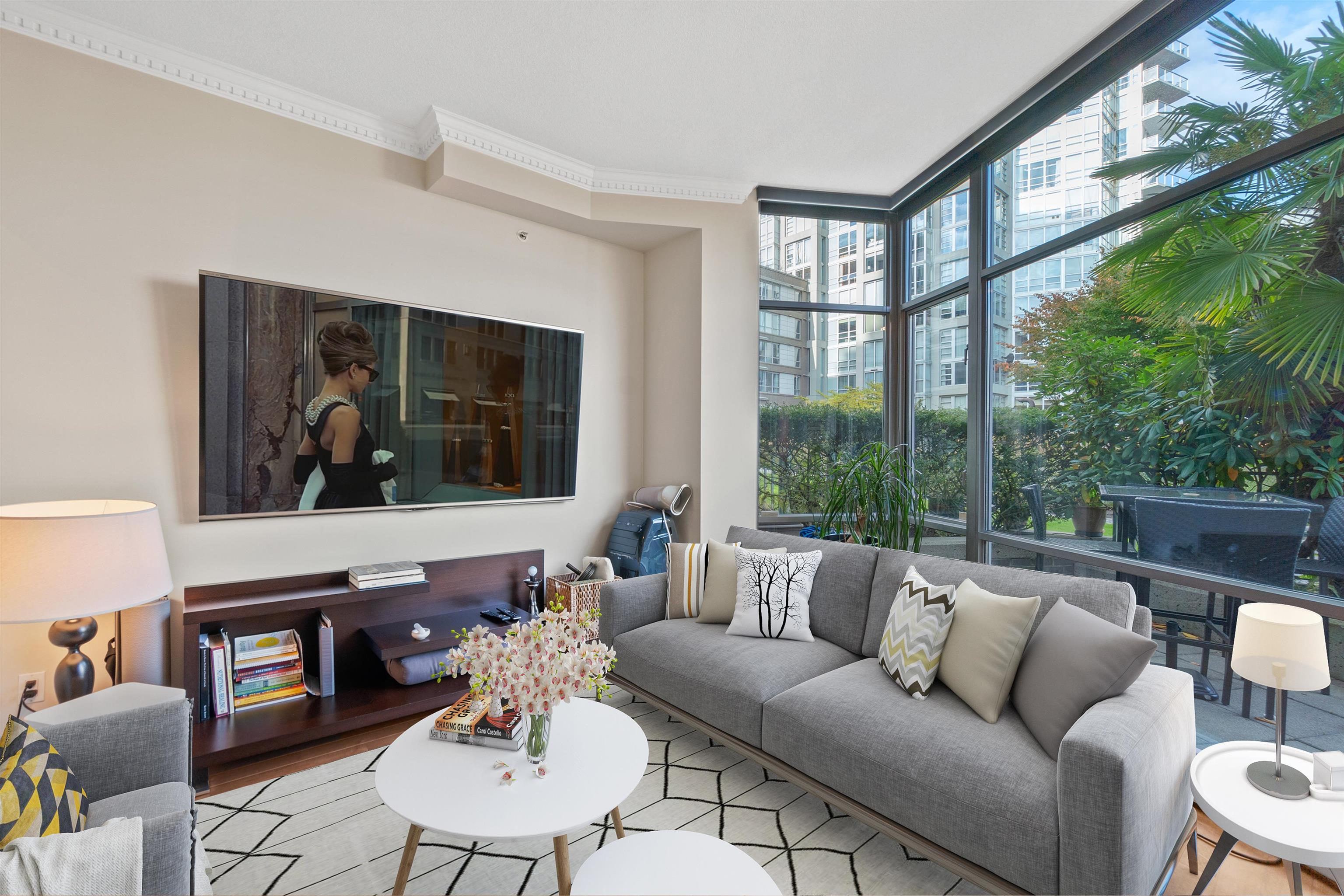 TH117 1288 MARINASIDE CRESCENT - Yaletown Townhouse for sale, 2 Bedrooms (R2625173) - #1