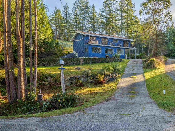 4460 MCLINTOCK ROAD - Pender Harbour Egmont House/Single Family for sale, 3 Bedrooms (R2625189)
