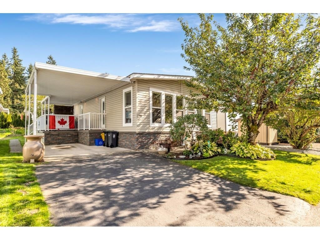93 2315 198 STREET - Brookswood Langley Manufactured for sale, 2 Bedrooms (R2625205) - #1