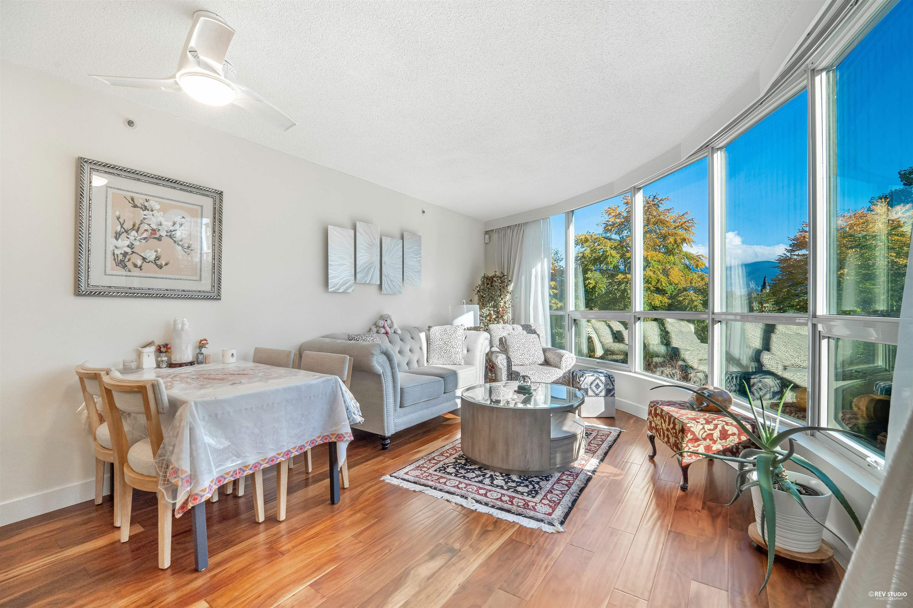 202 555 JERVIS STREET - Coal Harbour Apartment/Condo for sale, 2 Bedrooms (R2625355)