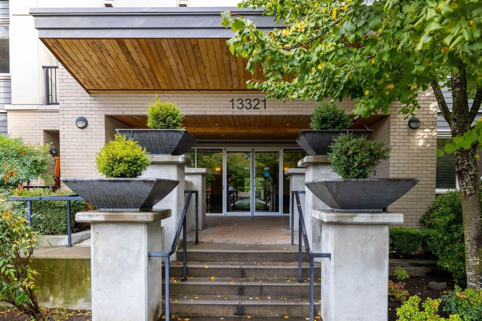 211 13321 102A AVENUE - Whalley Apartment/Condo for sale(R2625464)
