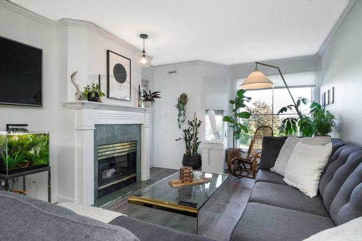 209 15150 108 AVENUE - Guildford Row House (Non-Strata) for sale, 1 Bedroom (R2625497)