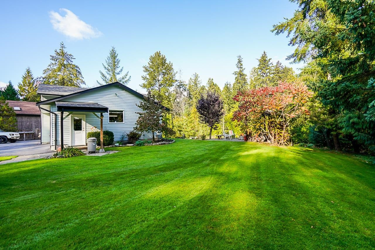 10695 SALISBURY DRIVE - Fraser Heights House with Acreage for sale, 4 Bedrooms (R2625526) - #35