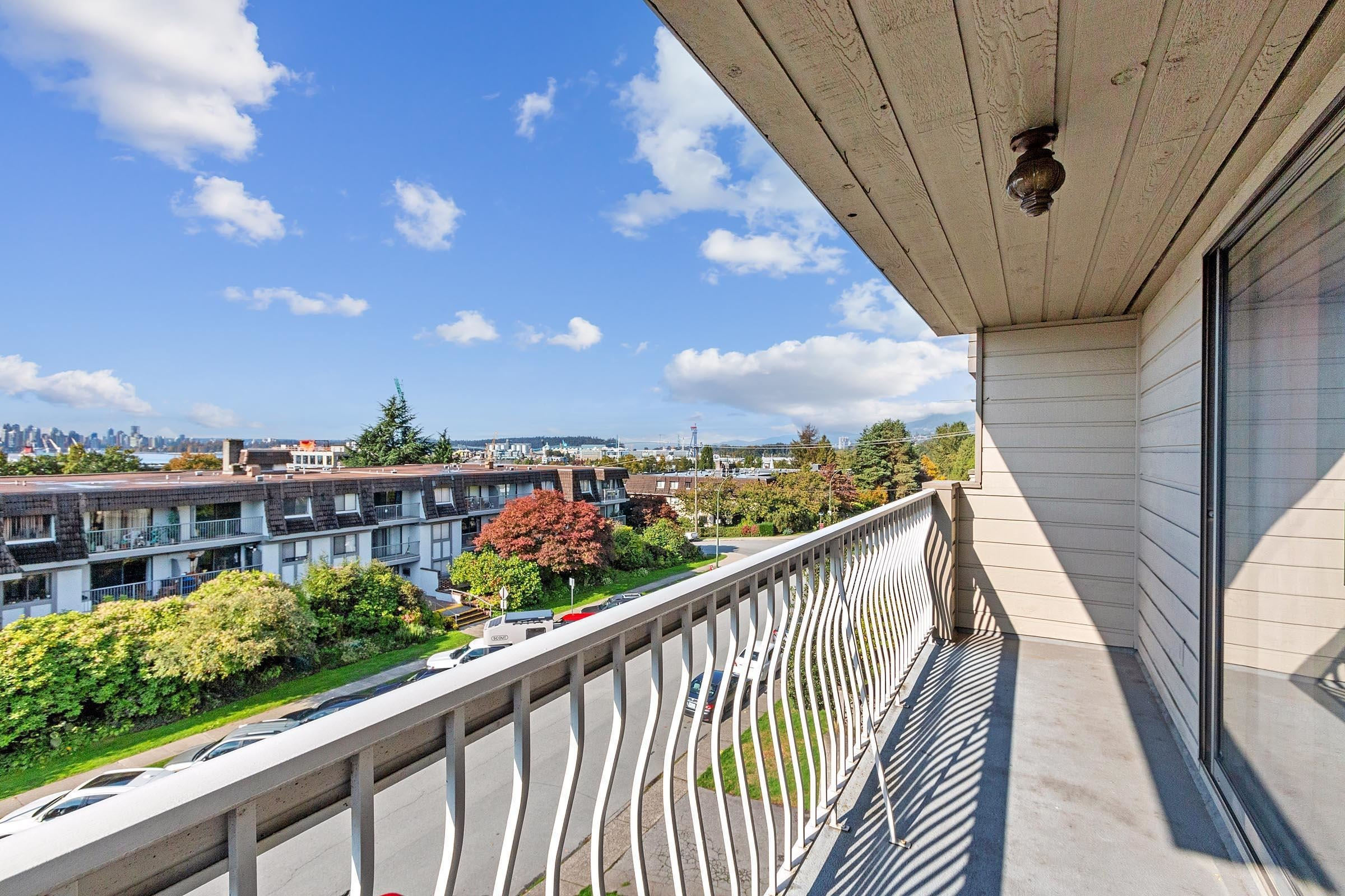 301 264 W 2ND STREET - Lower Lonsdale Apartment/Condo for sale, 2 Bedrooms (R2625527) - #17
