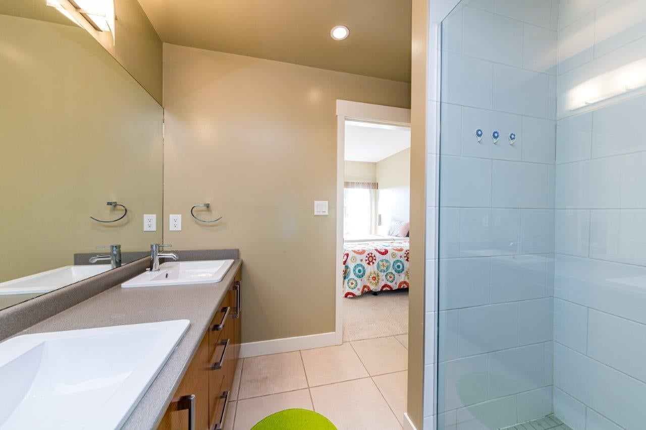 202 188 W 29TH STREET - Upper Lonsdale Apartment/Condo for sale, 2 Bedrooms (R2625535) - #25