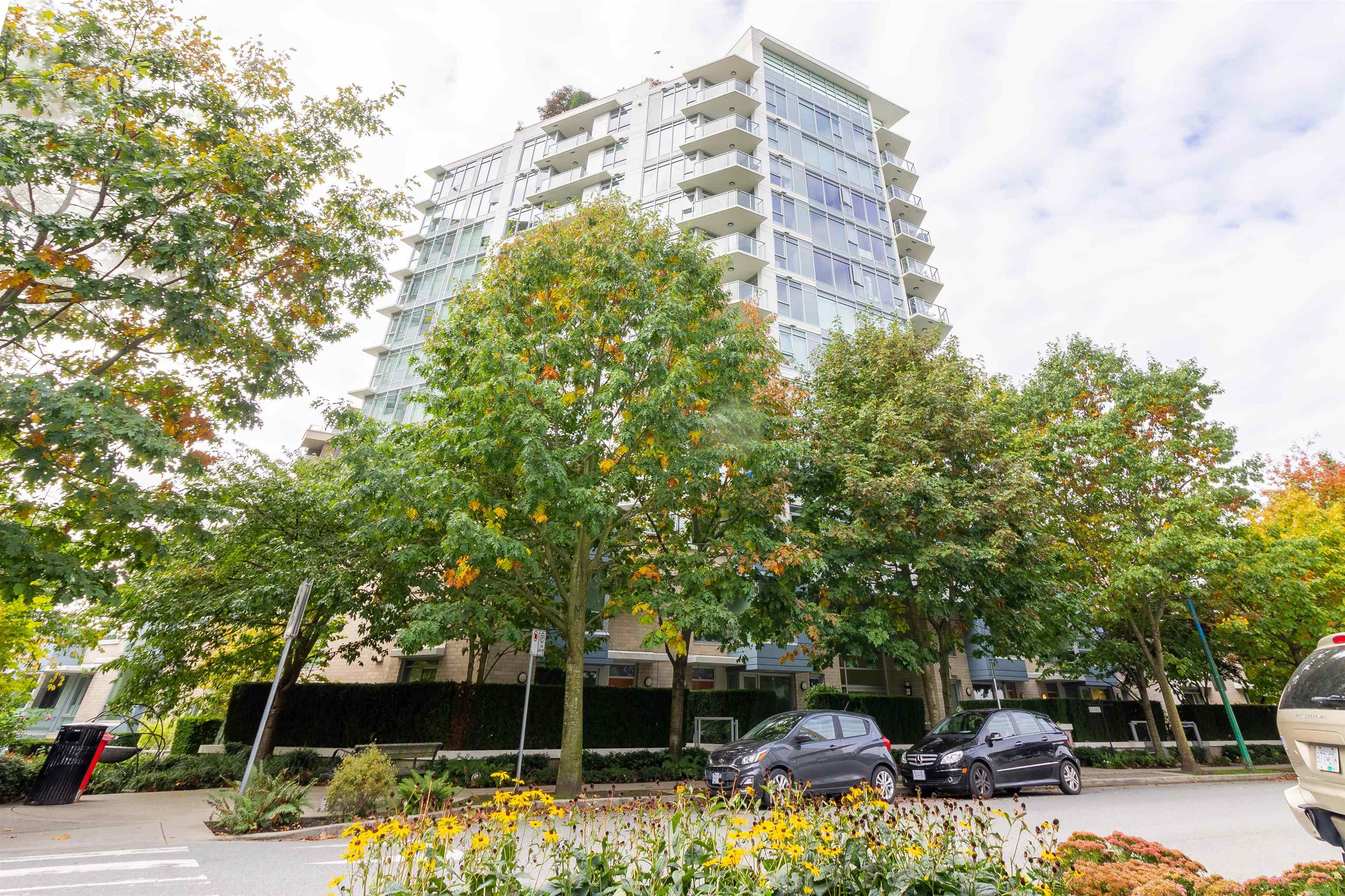 208 175 W 2ND STREET - Lower Lonsdale Apartment/Condo for sale, 1 Bedroom (R2625562) - #1