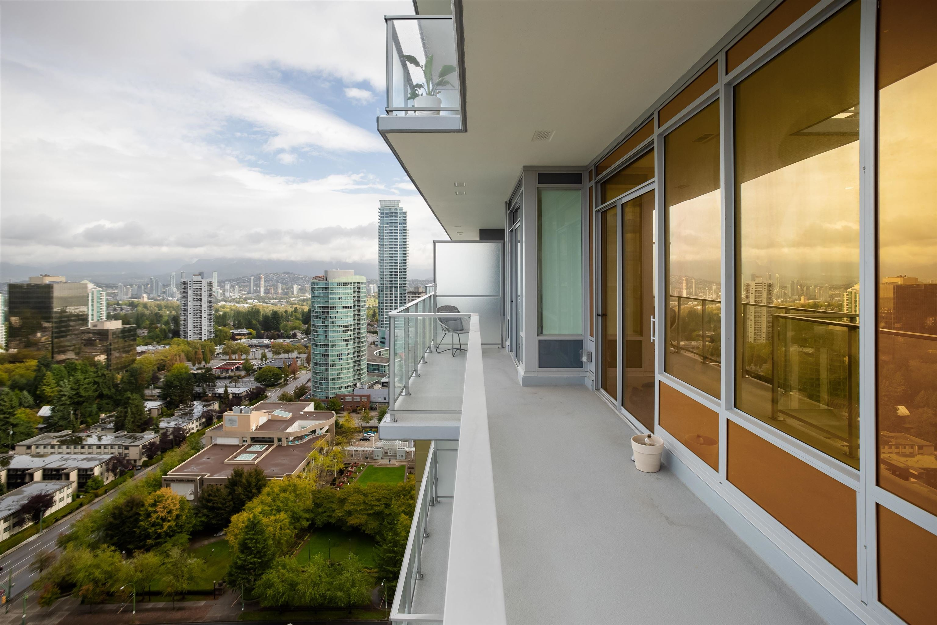 2206 6383 MCKAY AVENUE - Metrotown Apartment/Condo for sale, 2 Bedrooms (R2625647) - #24