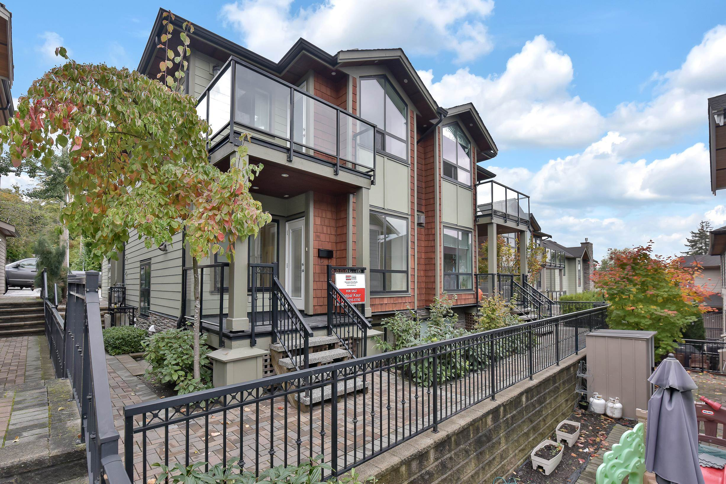 1430 BEWICKE AVENUE - Central Lonsdale 1/2 Duplex for sale, 6 Bedrooms (R2625651) - #1