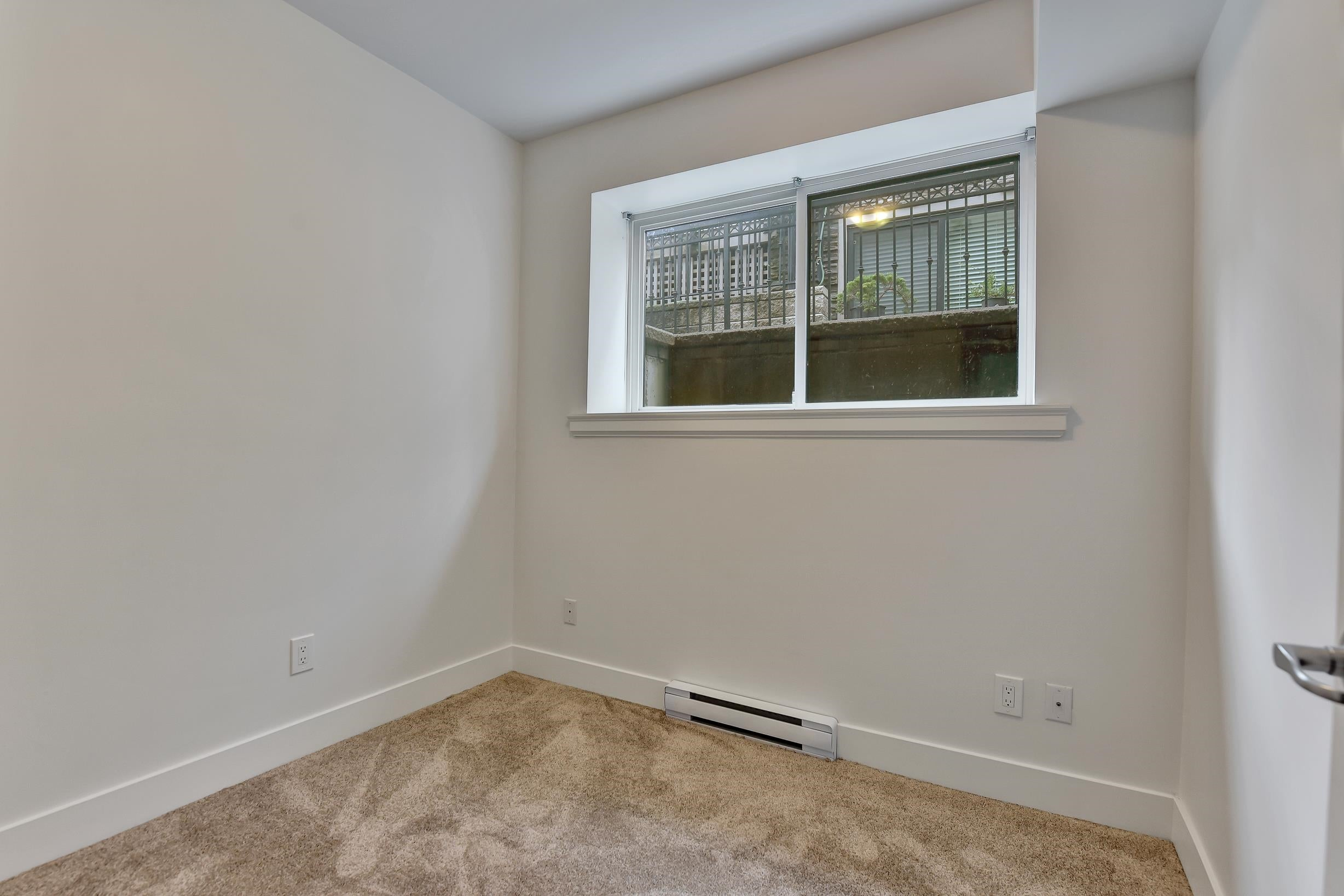 1430 BEWICKE AVENUE - Central Lonsdale 1/2 Duplex for sale, 6 Bedrooms (R2625651) - #24