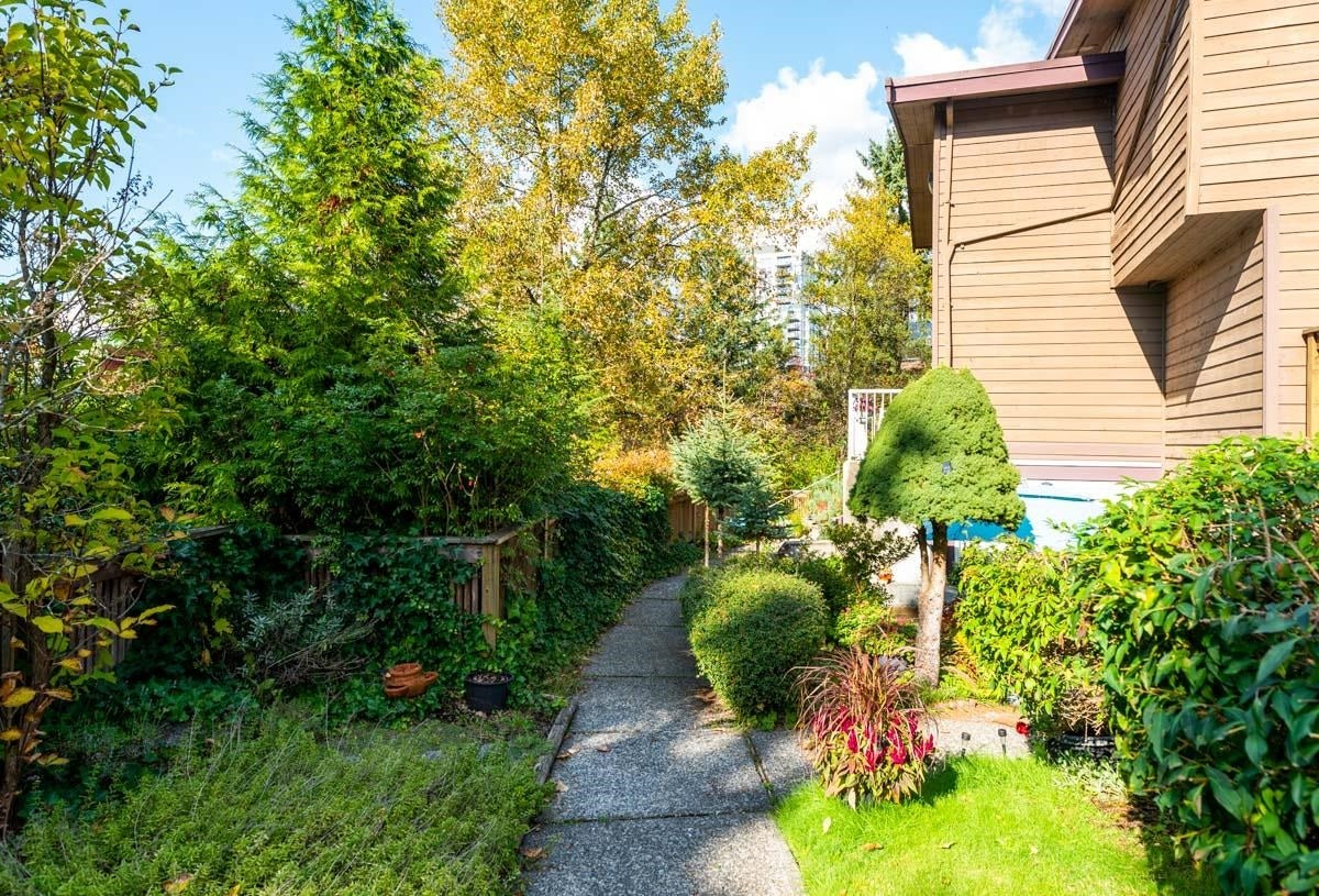 3 302 HIGHLAND WAY - North Shore Pt Moody Townhouse for sale, 2 Bedrooms (R2625661) - #32