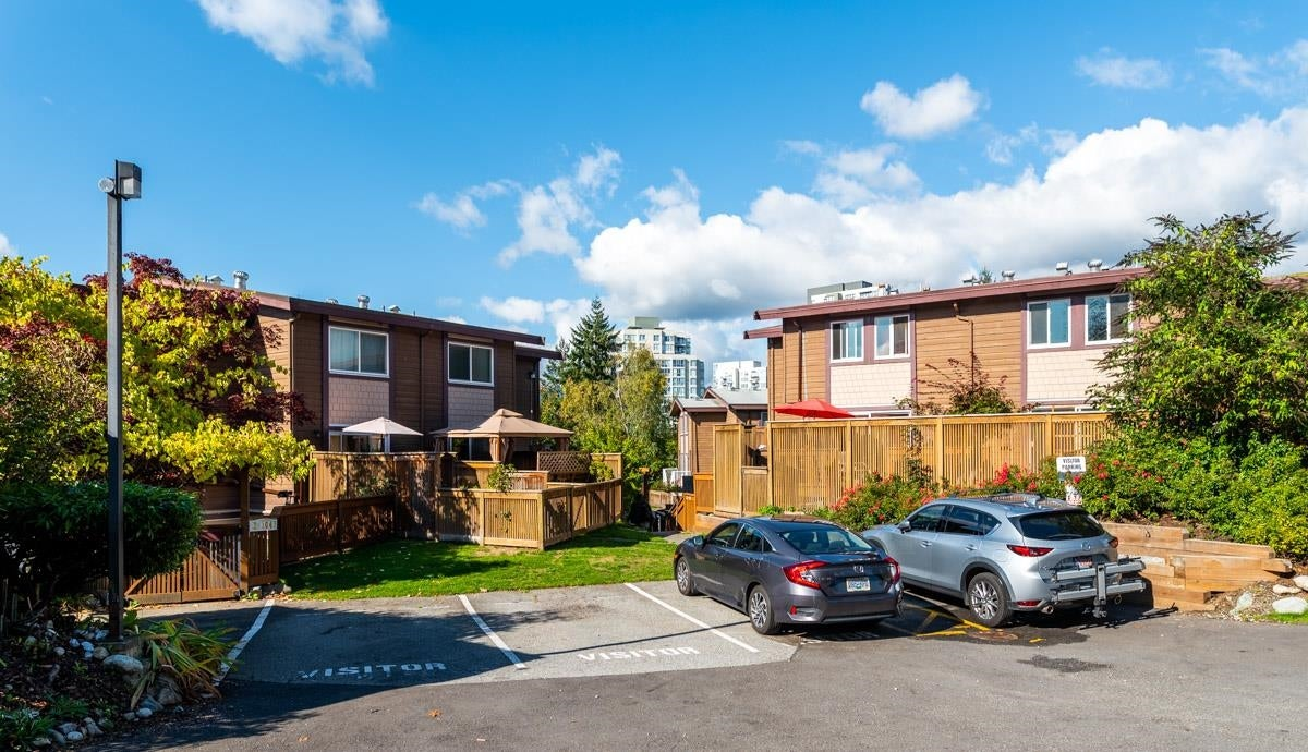 3 302 HIGHLAND WAY - North Shore Pt Moody Townhouse for sale, 2 Bedrooms (R2625661) - #34