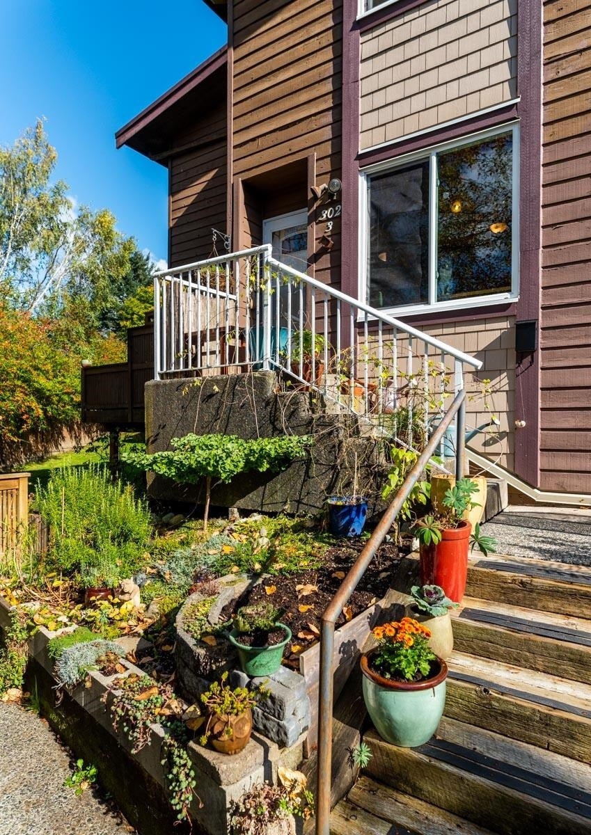 3 302 HIGHLAND WAY - North Shore Pt Moody Townhouse for sale, 2 Bedrooms (R2625661) - #6