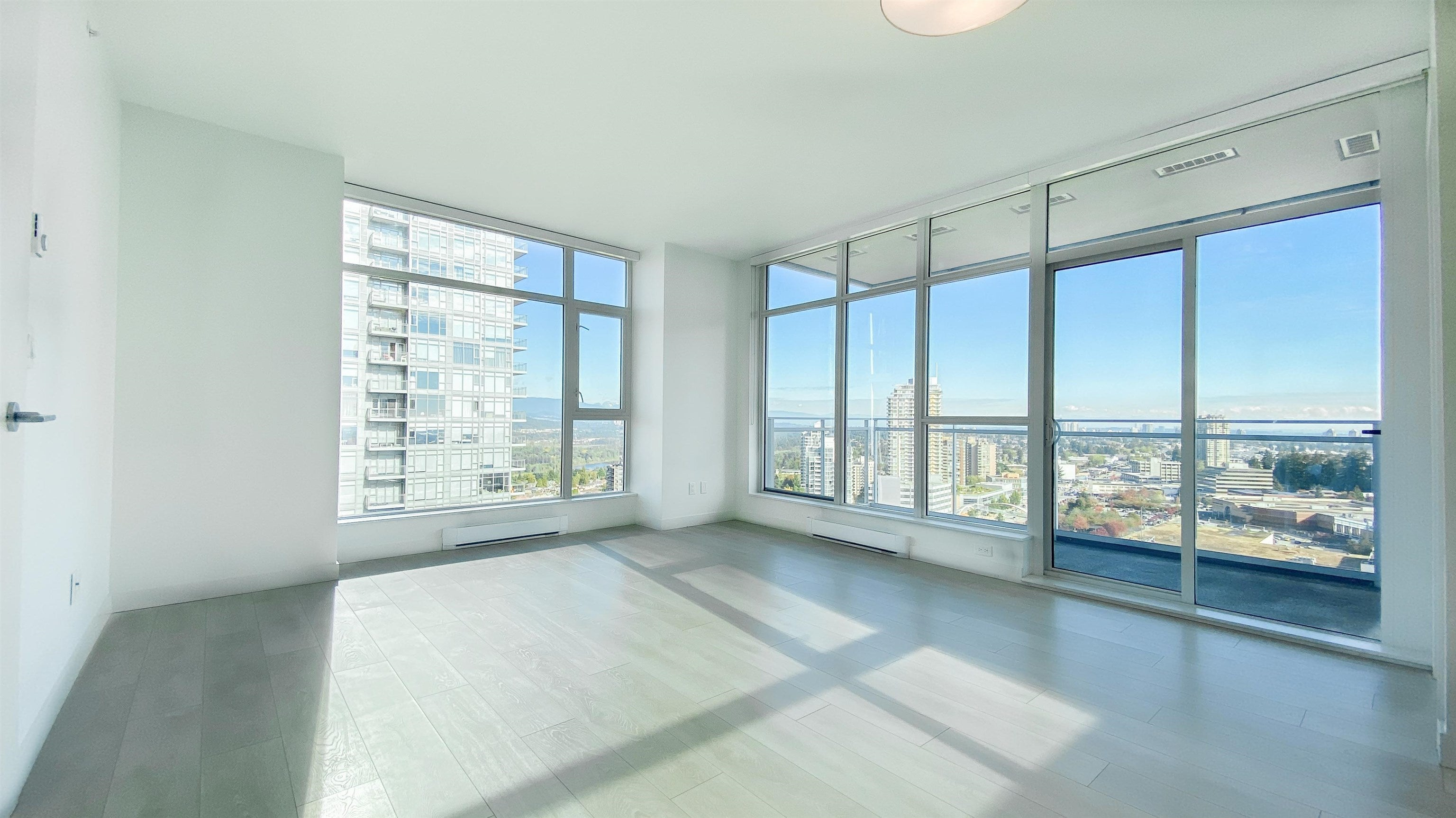2510 4670 ASSEMBLY WAY - Metrotown Apartment/Condo for sale, 2 Bedrooms (R2625732) - #4