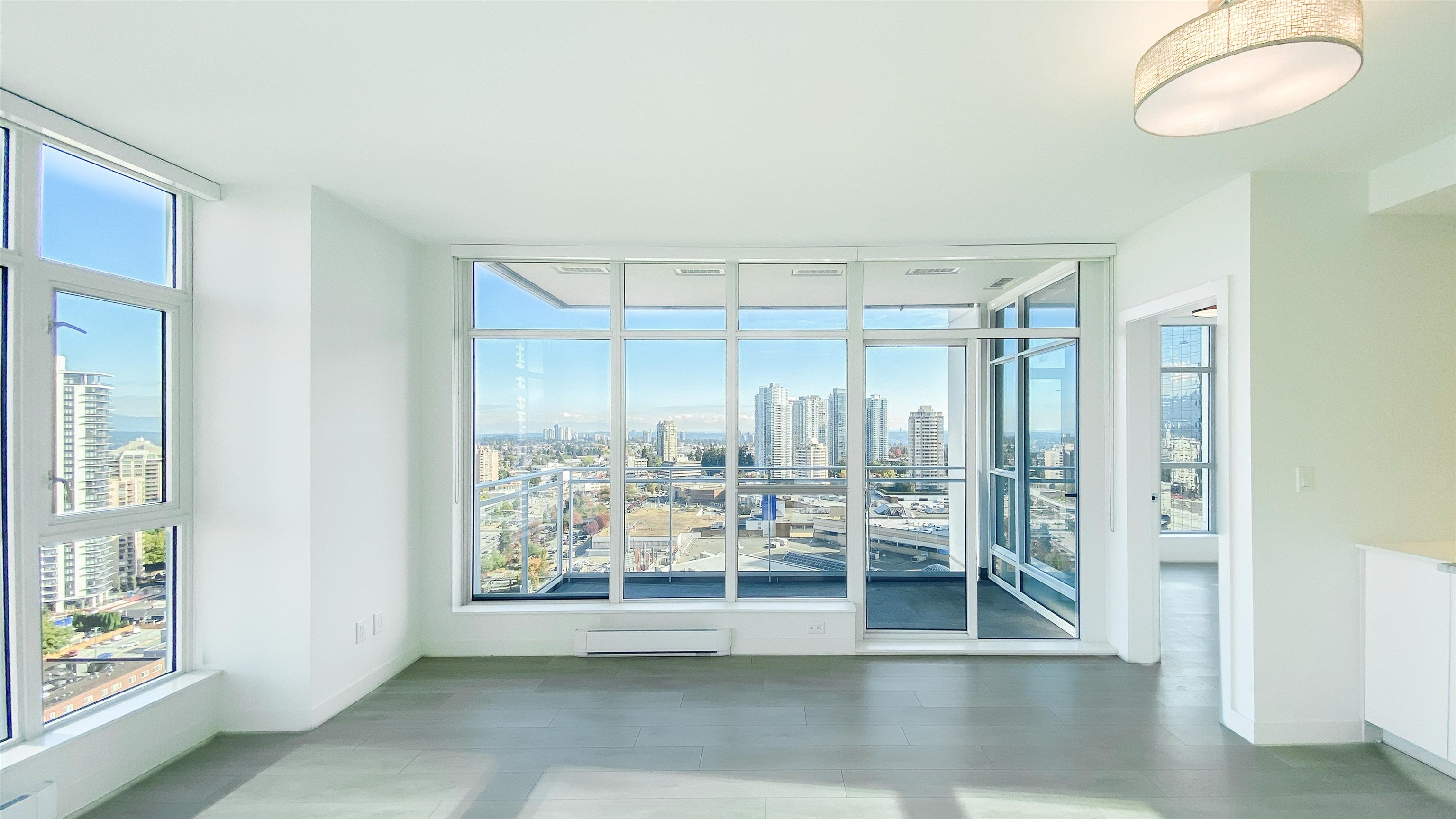 2510 4670 ASSEMBLY WAY - Metrotown Apartment/Condo for sale, 2 Bedrooms (R2625732) - #8