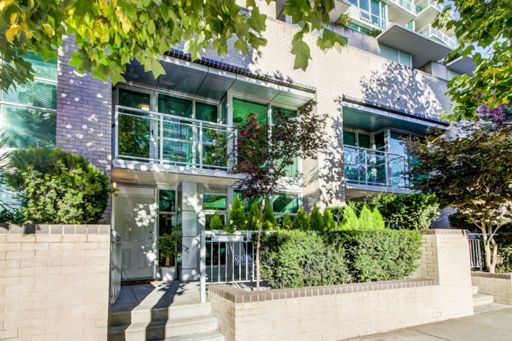 TH5 188 E ESPLANADE - Lower Lonsdale Townhouse for sale, 2 Bedrooms (R2626016)