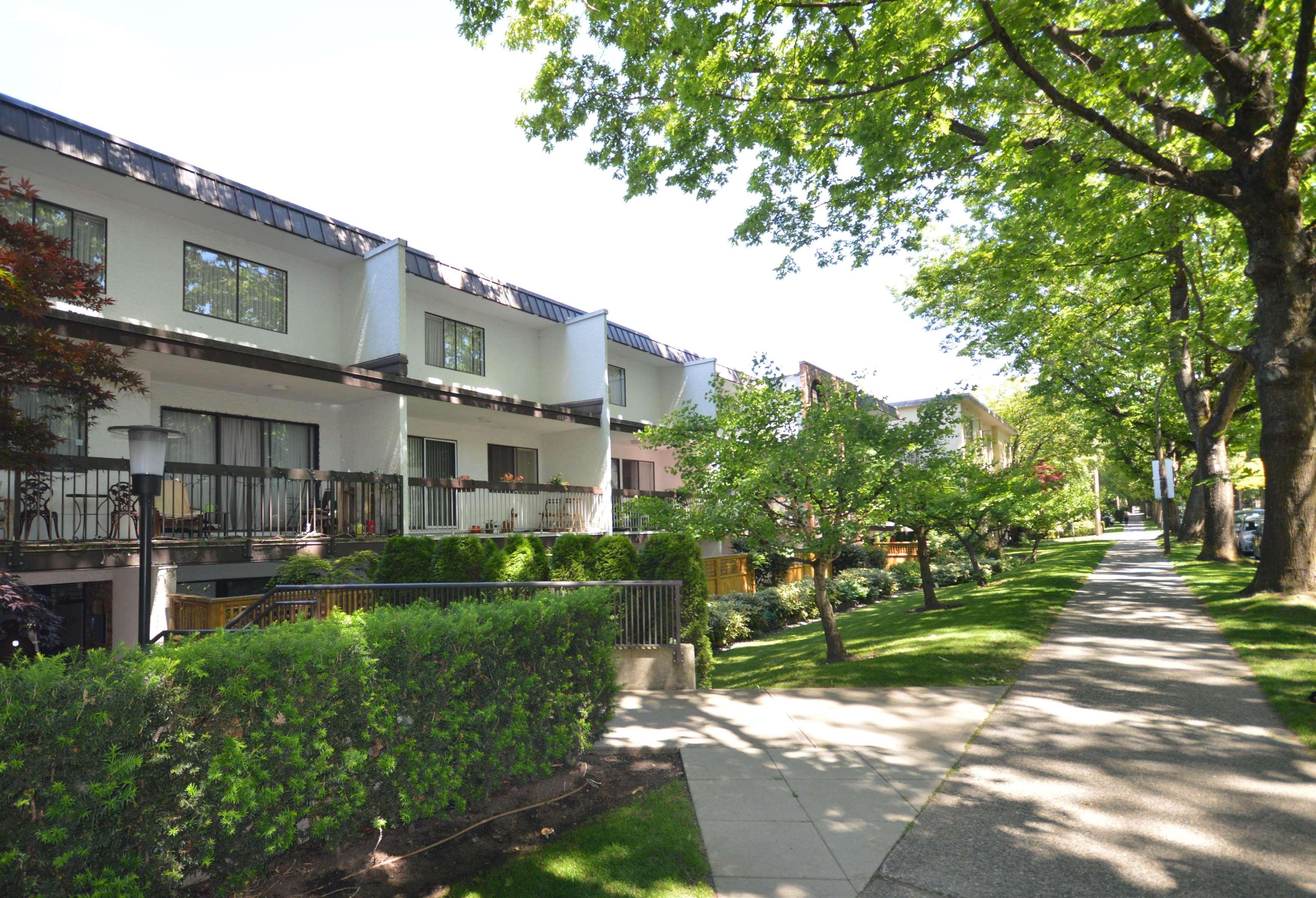 305 345 W 10TH AVENUE - Mount Pleasant VW Apartment/Condo for sale, 1 Bedroom (R2626107)